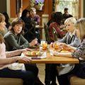 Bild Allison Janney, Anna Faris, Beth Hall, Mimi Kennedy