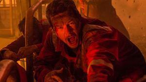 """Besorgt und ölverschmiert: Neue Figurenposter zum Katastrophen-Drama """"Deepwater Horizon"""" mit Mark Wahlberg"""