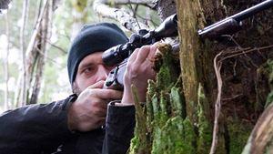 """Deutscher Trailer zu """"Tiefschnee - Winter der Rache"""": Die Gefahr lauert abseits der Piste"""