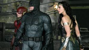"""Batman und Wonder Woman fordern den """"Justice League""""-Snyder-Cut – was ist da los?"""