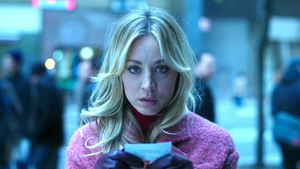 """""""Big Bang Theory""""-Star Kaley Cuoco mal ganz anders: Trailer zur Thrillerserie """"The Flight Attendant"""""""