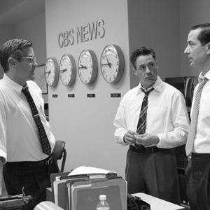 Good Night, and Good Luck : Bild David Strathairn, George Clooney, Robert Downey Jr.