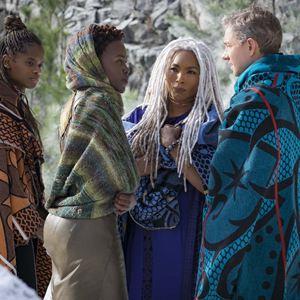Black Panther : Bild Angela Bassett, Letitia Wright, Lupita Nyong'o, Martin Freeman