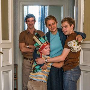 Der Junge muss an die frische Luft : Bild Julius Weckauf, Luise Heyer, Sönke Möhring