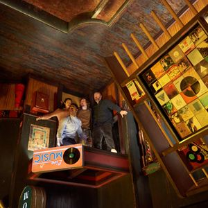 Escape Room : Bild Jay Ellis, Logan Miller, Taylor Russell McKenzie, Tyler Labine