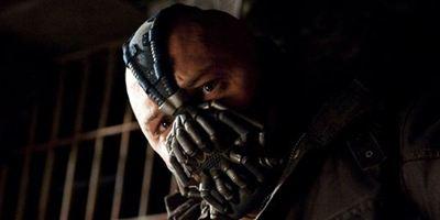 """""""The Dark Knight Rises"""": Vorher-Nachher-Vergleich von Banes Stimme"""
