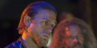 "Guillermo del Toros ""Crimson Peak"": Charlie Hunnam soll Hauptrolle neben Emma Stone spielen"