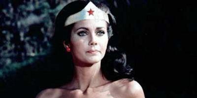 """CW hält Platz für """"Wonder Woman""""-Prequel """"Amazon"""" frei, trotz Unzufriedenheit mit Drehbuch"""