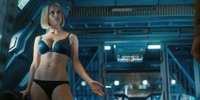 """""""Star Trek Into Darkness""""-Autor Damon Lindelof entschuldigt sich für Szene mit halbnackter Alice Eve"""