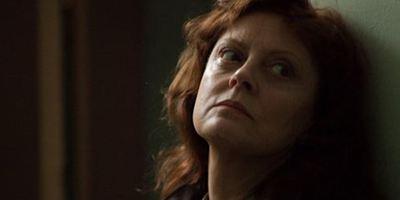 """Susan Sarandon und Gil Bellows ermitteln im deutschen Trailer zu """"The Calling - Ruf des Bösen"""" in einem grausamen Mordfall"""