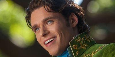 """Im neuen Trailer zu """"Cinderella"""" lässt sich Lily James von Richard Madden verzaubern"""