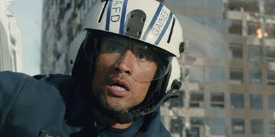 """San Andreas"" erschüttert die deutschen Kinocharts: Dwayne Johnson an der Spitze"