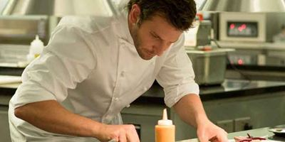 "Im neuen Trailer zu ""Adam Jones"" lässt Bradley Cooper als Meisterkoch Dampf ab"
