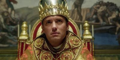 "Neuer Trailer: Jude Law ist ""The Young Pope"" in der Serie von ""La Grande Bellezza""-Regisseur Paolo Sorrentino"