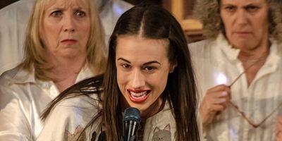 """""""Haters Back Off"""": Start der Netflix-Serie über den untalentierten Möchtegern-YouTube-Star Miranda Sings"""