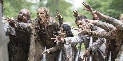 """Ganz in Rot: Neue Bilder zur 7. Staffel von """"The Walking Dead"""""""