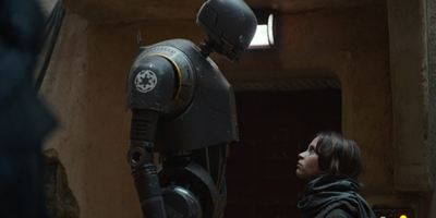 """Ein lustiger Szenendieb in """"Rogue One: A Star Wars Story"""": Gareth Edwards über den Droiden K-2S0"""