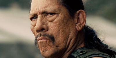 "Danny Trejo und Dan Aykroyd sprechen über Haarpflege-Milliardär John Paul DeJoria im Trailer zu ""Good Fortune"""