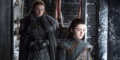 """Gewalttätig, überraschend und ein Wolfsrudel: Wir spekulieren über den Schwestern-Konflikt in """"Game Of Thrones"""""""