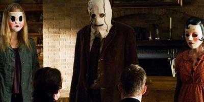 """""""Strangers: Prey At Night"""": Erstes Bild zu """"The Strangers 2"""" enthüllt Rückkehr von Dollface"""