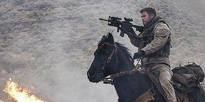 """""""Thor""""-Star Chris Hemsworth als Pferdesoldat im Krieg gegen den Terror: Neuer Trailer zu """"12 Strong"""""""