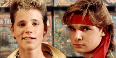 "Sex, Drugs & Hollywood: Trailer zum bitteren Biopic ""A Tale Of Two Coreys"" über Corey Haim und Corey Feldman"