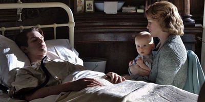 """Deutscher Trailer zu """"Solange ich atme"""": Claire Foy liebt den gelähmten Andrew Garfield im Regiedebüt von Andy Serkis"""