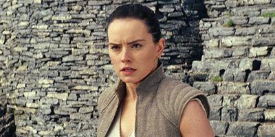 """""""Star Wars 8: Die letzten Jedi"""": Rian Johnson erklärt seine Entscheidung zu Reys Eltern"""