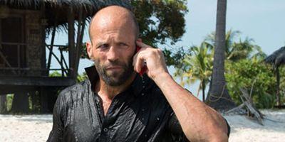 """""""The Meg"""": Jason Statham wird auf einem neuem Bild von einem riesigen Hai beäugt"""