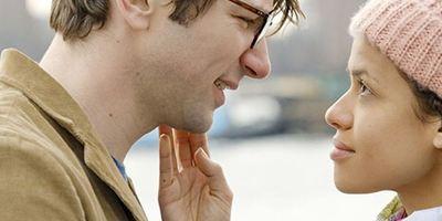 """Legt schon mal die Taschentücher bereit: Trailer zum romantischen Netflix-Drama """"Unersetzlich"""""""