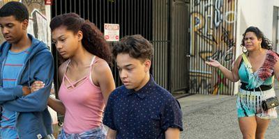 """Teenie-Abenteuer im Problemviertel: Schräge Comedy-Serie """"On My Block"""" ab jetzt auf Netflix"""