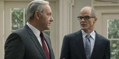 "Netflix-Flagschiff ""House Of Cards"": Kevin Spaceys Abschied für Michael Kelly herzzerreißend"