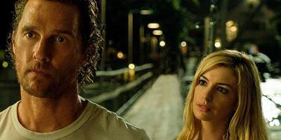 """Erster Trailer zu """"Serenity"""": Matthew McConaughey, Anne Hathaway und Blut in der Badewanne"""