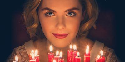 """Netflix macht es besser als Pro7: Düsterer """"Sabrina""""-Reboot erntet saustarke Kritiken"""
