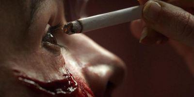 """Pervers, perverser, """"Piercing"""": Trailer zum Fetisch-Thriller mit Mia Wasikowska"""