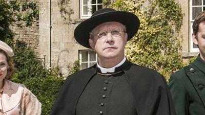 """Mark """"Mr. Weasley"""" Williams ermittelt als kauziger Priester: Deutschlandpremiere der zweiten Staffel von """"Father Brown"""" auf ZDFneo"""