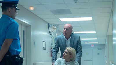 """Trailer zu """"Trauma Center"""": Bruce Willis beschützt eine Frau im Fadenkreuz"""