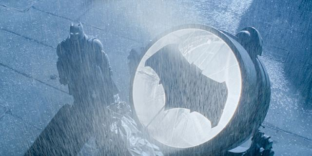 "Neue Szenenbilder zu ""Batman V Superman: Dawn Of Justice"" + Tao Okamoto als Mercy Graves bestätigt"