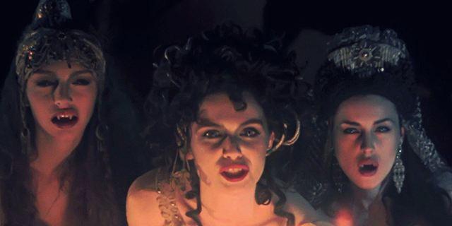 """Brides"": NBC bestellt Vampir-Serie über Draculas drei Bräute"