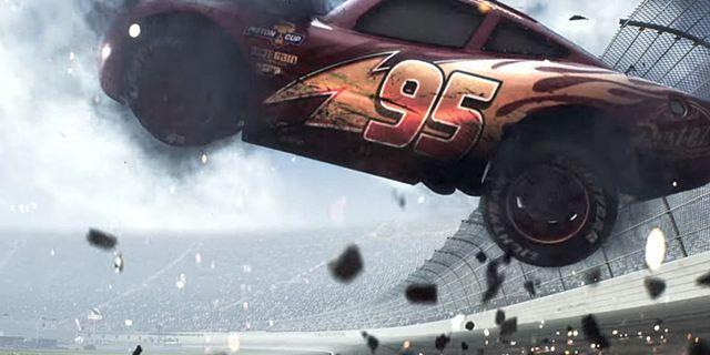 """""""Lass uns doch einfach direkt McQueen töten"""": Fans reagieren geschockt auf den ersten """"Cars 3""""-Teaser"""