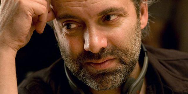 """""""James Bond""""-Regisseur Sam Mendes könnte gefeierte Graphic Novel """"My Favorite Thing Is Monsters"""" ins Kino bringen"""