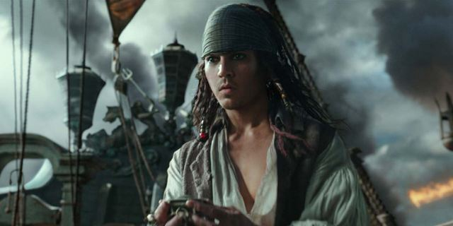 """Neue Figurenposter zu """"Pirates Of The Caribbean 5: Salazars Rache"""" mit stoischem Johnny Depp"""