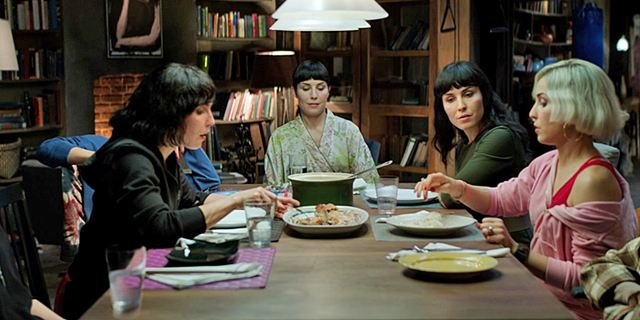 "Noomi Rapace x 7: Erster Trailer zum Science-Fiction-Thriller ""What Happened To Monday?"""
