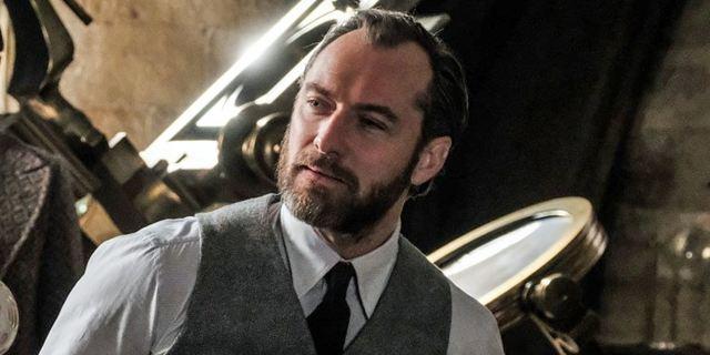 """""""Phantastische Tierwesen 2"""": Jude Law bekam Dumbledores komplette Geschichte direkt von J.K. Rowling"""