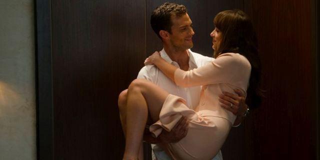 """""""Fifty Shades Of Grey 3"""" legt den klar besten Kinostart des noch jungen Jahres in Deutschland hin"""