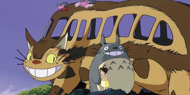 """Verrückter Miyazaki-Fan baut Katzenbus aus """"Mein Nachbar Totoro"""" als echtes Fahrzeug nach"""