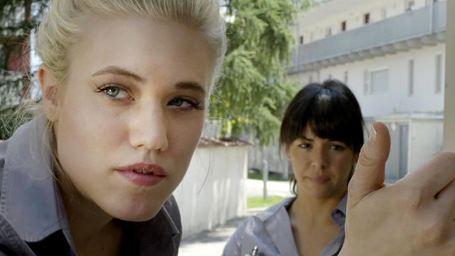 """Dorf-Disco und Lagerfeuer-Romantik im neuen Trailer zu """"Rise Up! And Dance"""" mit """"Dschungelcamp""""-Star Larissa"""