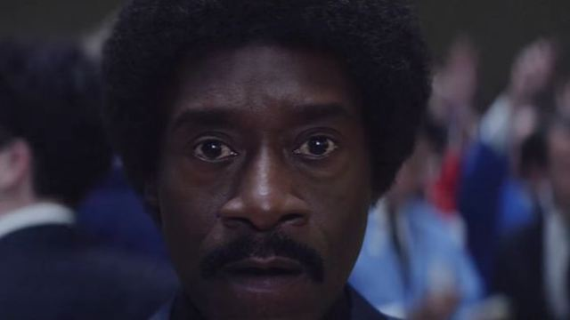 """""""The Wolf Of Wall Street"""" als Serie: Trailer zu """"Black Monday"""" mit Don Cheadle"""