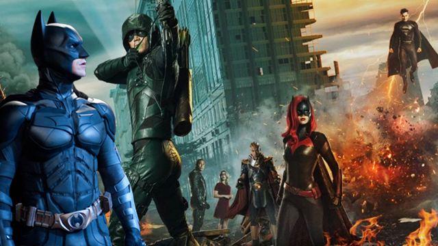 """""""The Dark Knight""""-Easter-Egg auf neuem Bild zum Crossover von """"Arrow"""", """"The Flash"""" und """"Supergirl"""" versteckt"""