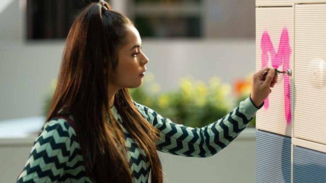 """Trailer zum Remake des Holland-Hits """"Misfit"""" mit Social-Media-Star Selina Mour"""